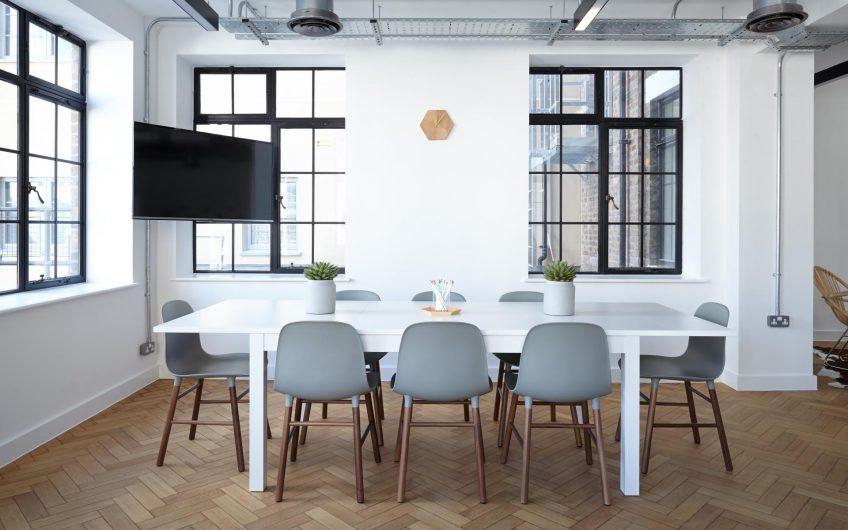 Tastefully decorarated spacious office